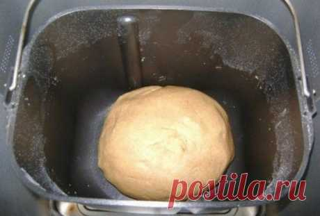 Как подружиться со своей хлебопечкой Как подружиться со своей хлебопечкой Как же «укротить» хлебопечку?   Оборудование для выпечки домашнего хлеба всё чаще встречается на наших кухнях. Однако начинающие кулинары часто жалуются, что несмо…