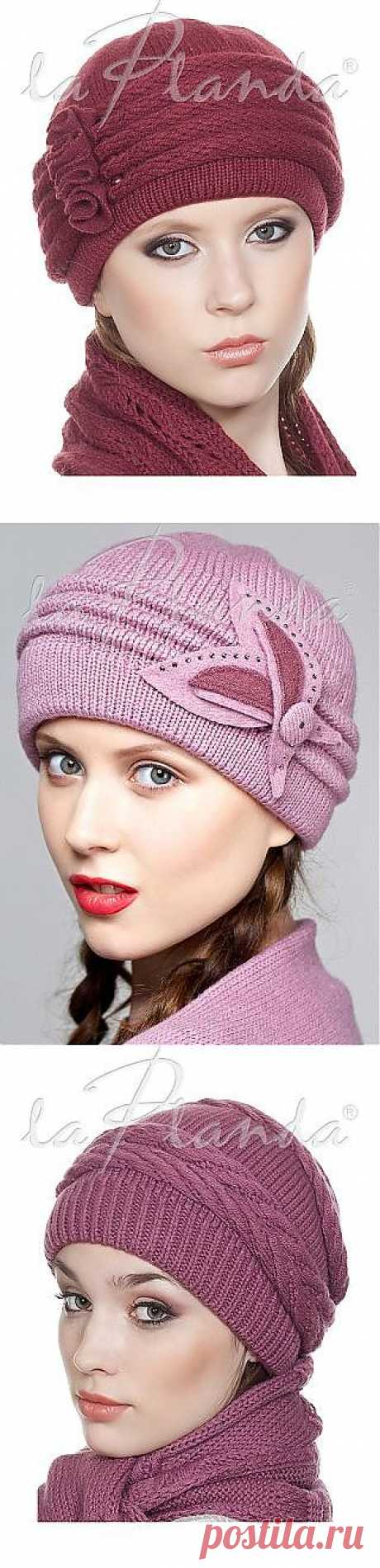 Fashionable female hats.
