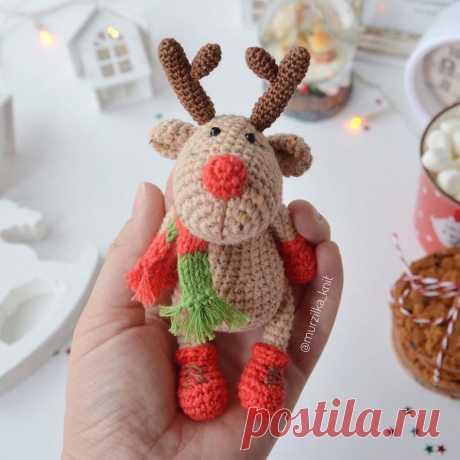 PDF Мастер-класс по вязанию рождественского оленя по кличке Красавчик крючком #схемыамигуруми #амигуруми #вязаныеигрушки #вязаныйолень #оленькрючком #amigurumipattern #amigurumi #crochetdeer #amigurumideer #crochetpattern #crochettoy #amigurumitoy