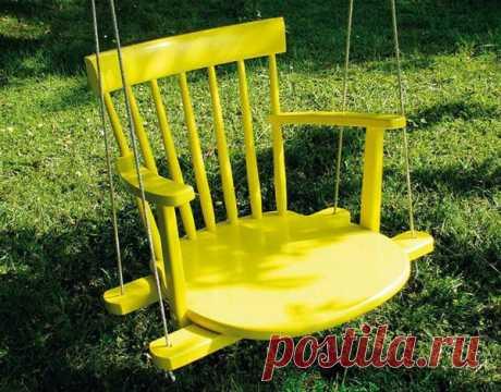Качели из старого стула
