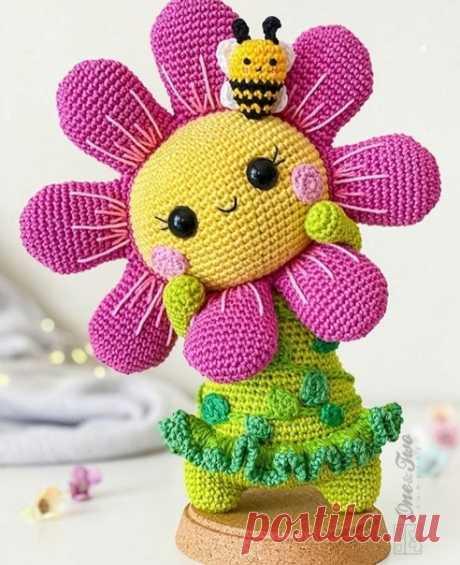 Солнечный цветок #амигуруми#amigurumi#вязаныеидеи#крючок#Handmade#игрушки#вязаныеигрушки#amigurumipattern#описаниеигрушки#игрушкакрючком#цветок