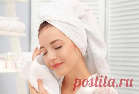 Как очищать сухую кожу по возрастам