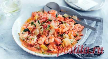 Салат из цитрусовых с креветками - ПУТЕШЕСТВУЙ ПО САЙТУ. Такой салат можно делать и с другими морепродуктами. Особенно хорошо сюда подойдут гребешки и разобранные на кусочки фаланги камчатского краба. ИНГРЕДИЕНТЫ 1 розовый грейпфрут 1 белый грейпфрут 1 помело 2 апельсина 2 лайма 400 г крупных сырых креветок 2 больших красных сладких перца 3 см свежего корня имбиря 4–5 веточек …