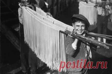 Сушка пасты, Неаполь, Италия, 1929 год.