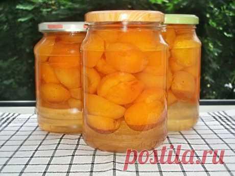 Шикарная заготовочка из абрикосов      Делаю так несколько лет подряд!  Закатываем ОЧЕНЬ вкусные абрикосы  1. Абрикосовое варенье – такое нежное, такое солнечное и такое вкусное! В этом рецепте вы узнаете как приготовить прозрачное варенье из абрикосов.   Необходимые ингредиенты:   абрикосы;  сахарный песок.   Приготовление:   1. Абрикосы моем и поделив на половинки выкладываем на дно кастрюли, в которой и будет оно вариться.  2. Засыпаем ровным слоем сахара.И так слой за...