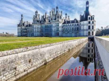 Какая история у замка Шамбор и когда он был построен? Где находится и как добраться до замка из Парижа? Какие есть интересные факты о замке Луары?
