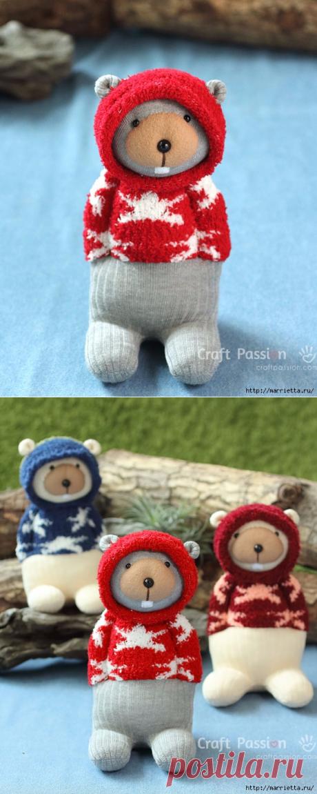 Как сшить игрушку - медвежонка из пары носочков