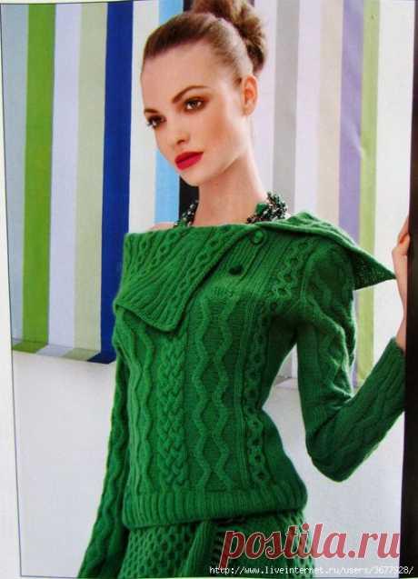 Шикарный комплект- зеленый пуловер и юбка с аранами.
