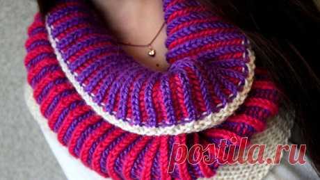 Объемная двухцветная английская резинка спицами - Эфария Если вы любите эксперименты и просто обожаете цветовое разнообразие в одежде, то обратите внимание на возможность связать узор английской резинки из двух цветов. Техника возможно может показаться чуть сложной, но результат того стоит. Вы получите объемное и эластичное полотно,использовать которое можно будет как образец для вязания шапки или даже пуловера. Вся уникальность двухцветного узора заключается