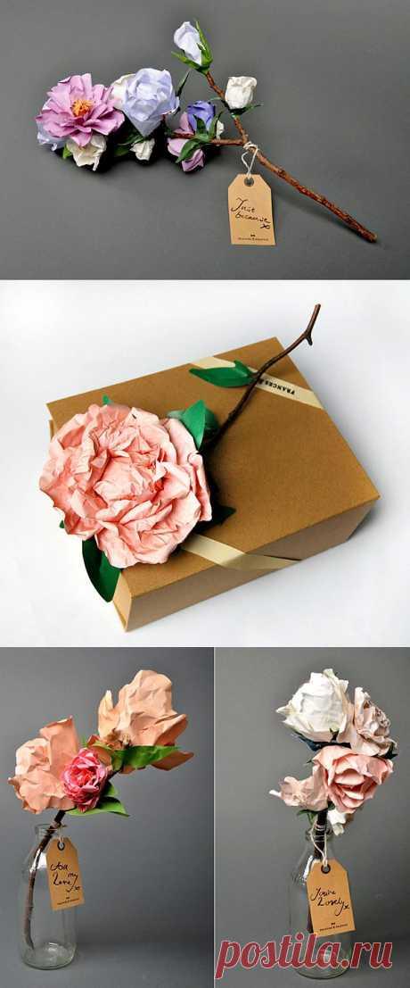 Las flores, que se marchitarán nunca. Los ramos realistas de papel
