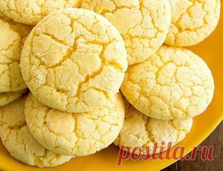 Las galletas tiernas de limón sobre el kéfir. ¡Se deshace en la boca simplemente!