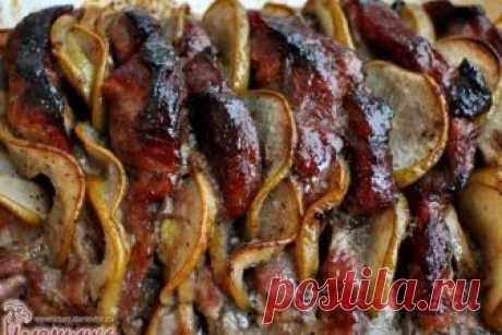 """Мясо с грушами - лучший рецепт осени Что вам сказать? Никакие мои """"ах!"""" и """"ох!"""" не передадут того аромата, который стоит в доме, когда я готовлю мясо с грушами. Сытный запах свинины смешивается со сладкой фруктовой ноткой и обволакивается медовой симфонией..."""
