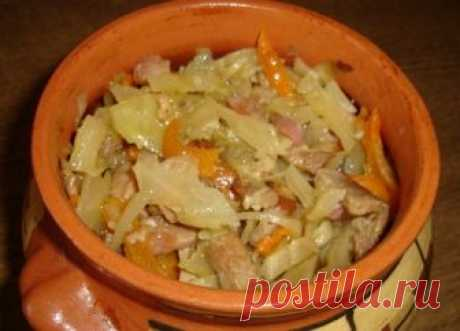 Капуста по французски Ингредиенты: Капуста 1 головка (средняя) Свинина 500 г. Лук 3 шт. (небольшие) Морковь 1 шт. (большая) Бульон мясной (из свинины) Лавровый лист, чеснок. Специи по вкусу, соль Пол лимона Приготовление: Как вкусно приготовить блюдо капуста в горшочке: отвариваем сначала бульон на свинине. Где-то на литр воды. Солим и перчим по вкусу. Затем делаем зажарку. Из […]