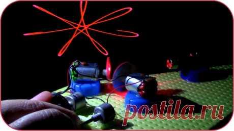 Простой лазерный проектор своими руками Здравствуйте, уважаемые читатели и самоделкины!Уже достаточно давно самые разнообразные лазерные устройства применяются на развлекательных мероприятиях, концертах и дискотеках.В данной статье автор YouTube канала «MELNITSA TV» расскажет Вам, как можно сделать миниатюрный лазерный проектор. Это