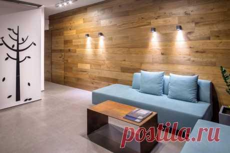 Ламинат на стене в интерьере: преимущества оформления, особенности укладки