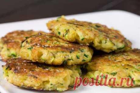 Постные овощные оладьи с капустой и луком / Простые рецепты