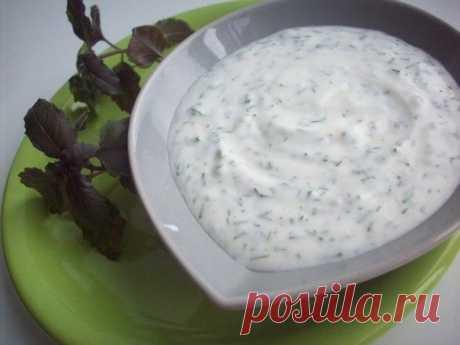 Как приготовить укропно-йогуртовый соус для рыбы - рецепт, ингредиенты и фотографии
