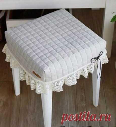 Stylish taburetochka \/ Decor \/ Interesting ideas of a decor
