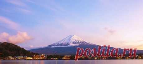 Последнее крупное извержение Фудзиямы произошло в 1707 году, но правительство Японии решило быть готовым к внезапной активности вулкана и смоделировало последствия сильного извержения и катастрофы, которые оно может навлечь на японскую столицу.