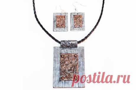 Сережки и кулон из полимерной глины в технике «Имитация металла» — мастер класс