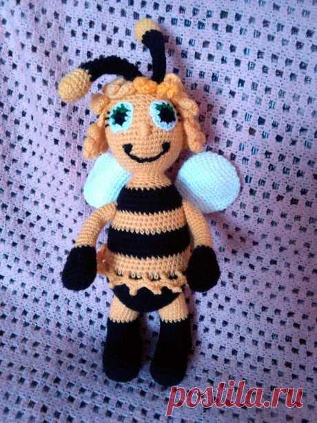 Пчела Майя!Связана крючком.Высота 27 см.