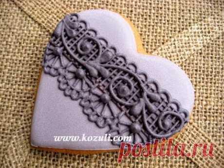 Роспись пряников, имбирного печенья глазурью Кружево из айсинга. Печенье на Хэллоуин Черное кружево.