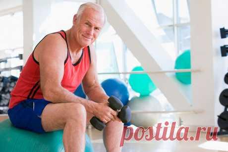 Как тренировать сердце и сосуды тем, кому за 60 лет. 5 простых упражнения К сожалению, с возрастом наш организм слабеет и становится менее устойчивым к развитию заболеваний. А сердце – это орган, которому для нормальной работы нужны регулярные тренировки. Поэтому мы расскажем о 5 простых упражнениях, которые улучшат работу вашей сердечно-сосудистой системы. Подъемы рук вверх Достаточно простое упражнение, которое положительно сказывается на работе сердца и развивает эластичность позвоночника. …