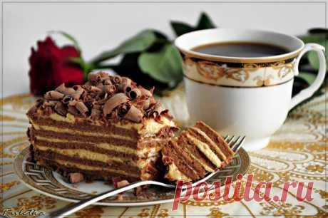 Карамельный торт со сливками.