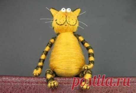 Котик-малыш из пробки