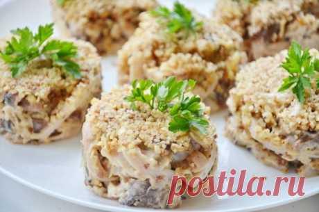 Салат с кальмарами и грибами - рецепт с фото / Простые рецепты