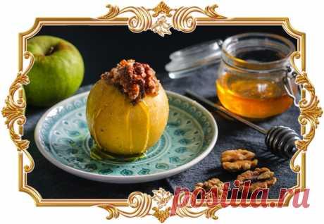 Запеченные яблоки, фаршированные грецкими орехами и гречкой (рецепт для детей, и не только)  Сложность приготовления: легкая. Время приготовления: 1 ч. Количество порций: 4. Показать полностью…