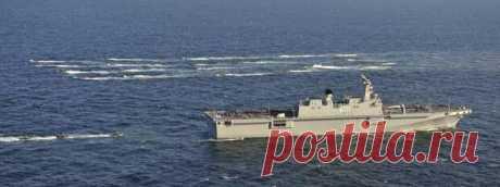 """Универсальные десантные корабли «Токто»: планы и реальность - БАЗА 211- ВОЕННАЯ ИСТОРИЯ - медиаплатформа МирТесен УДК """"Токто"""" в сопровождении малых плавсредств. Фото Минобороны РК Военно-морские силы Республики Корея располагает достаточно многочисленными десантными силами, в которых, однако, пока есть только один универсальный десантный корабль с широкими возможностями. УДК Dokdo (LPH-6111) проекта начал LPX"""