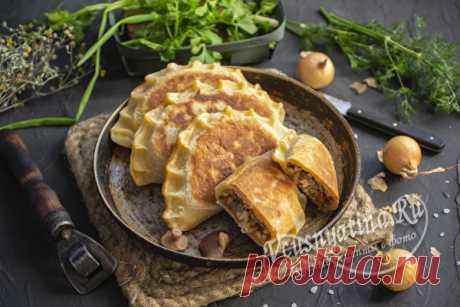 Пирожки из быстрого теста на сковороде - невозможно пройти мимо, рецепт Рецепт приготовления домашних пирожков с грибами и фаршем из быстрого теста на сковороде. Вкусные, что просто невозможно пройти мимо.