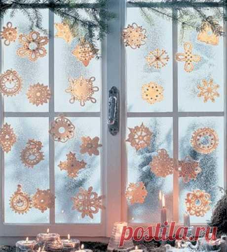 Украшаем зеркала и окна ажурными снежинками