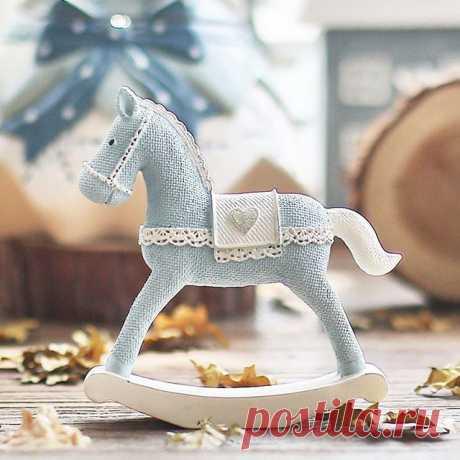 Вот такая милейшая лошадка из керамики.  Не забудьте подписаться👉@decor_mari Лайк красоте❤ Не жадничайте 😘 . . . . . . .  #decormari #instacool #интерьер #арт #beautiful #home #подпишись #лайк #look #весна #солнце #любовьмоя #супер #селфи #amazing #ручнаяработа #керамика