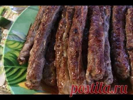 Чевапчичи (чевапи).  Колбаски из мясного фарша на гриле.