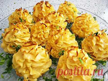 Картофельные розы для оформления блюд.