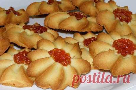 Печенье «Курабье» - песочное печенье, тающее во рту.