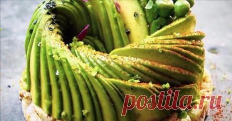 Восхитительные салаты из авокадо: 21 рецепт для гурманов     Такого восторга гостей я не ожидала!          Салаты с авокадо Любой салат – это творчество. И можно придумать бессчётное количество рецептов с авокадо. Только делать это надо корректно, принимая …