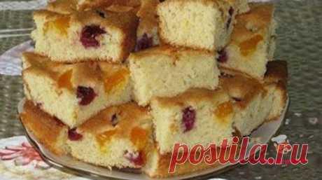 Пирог на минералке с ягодами - сайт кулинарии