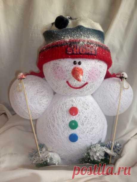 Воздушный снеговик из ниток
