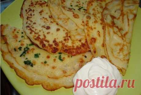 Тонкие картофельные блины Тонкие картофельные блины! Ингредиенты: ●5 небольших картофелин ●250 - 300 молока ●250 - 300 муки ●3 - 4 зуб. чеснока