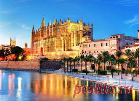 Очень многие люди мечтают провести свой отпуск в Испании. Это солнечная и восхитительная страна, которая имеет очень красивые виды, приятный климат и легендарные достопримечательности.  Также она славится местными обычаями и культурой, которые не сравнятся с европейскими. Лето в Испании длится вечно, купаться в море можно круглый год. Не секрет, что лучшие ночные клубы мира находятся именно там, один из самый легендарных – это Ибица. В общем рассказывать об этой стране можно бесконечно, но дал