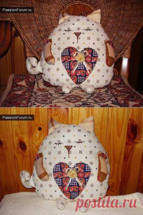 игрушка-подушка котик-сплюша / Разнообразные игрушки ручной работы / PassionForum - мастер-классы по рукоделию