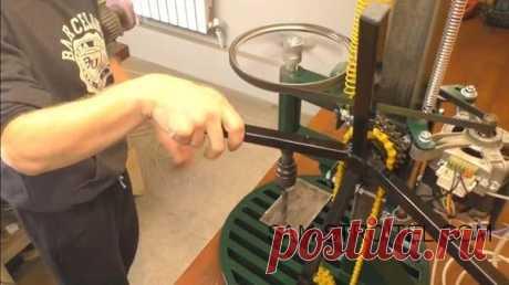 Сделал самодельный сверлильный станок с двигателем от стиральной машины   Сам Себе Строитель