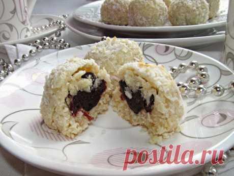"""Постигая искусство кулинарии... : Кокосовое печенье с черносливом """"Сюрприз"""""""