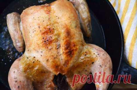 El pollo del día festivo: el mejor método zapekaniya las gallinas