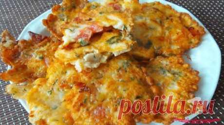 «Соломончики» из рыбы - БУДЕТ ВКУСНО! - медиаплатформа МирТесен «Соломончики» из рыбы — это вкусно, быстро и доступно! Еще такие «соломончики» делают из курицы, но вот с рыбой мне показалось вкуснее. Рыба с овощами — это всегда вкусно! Ингредиенты: 0,5 кг филе белой рыбы; яйцо — 3-4 шт.; крахмал — 2-3 ст.л.; 2-3 помидора; лук — 1 штука; зелень по вкусу (берите