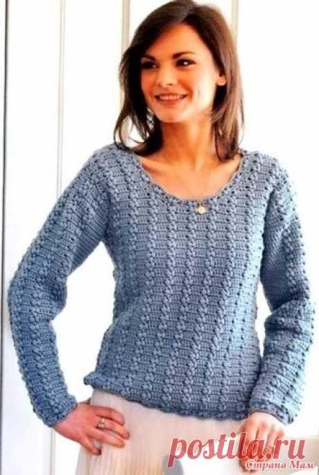 """. Голубой пуловер выполненный узором """"косичка"""". Размеры:  обхват груди: 81 [86; 91; 96] см; ширина законченного изделия: 87 [92; 96,5; 101] см. длина: 54 [57; 59; 60,5] см;  длина рукава: 45,5 [47; 47; 49] см."""