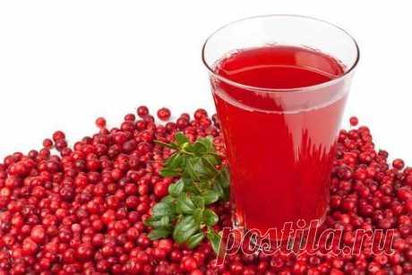 7 самых полезных напитков.   1. Вода: выводит токсины, поддерживает работу желудка, положительно влияет на состояние сосудов и суставов.